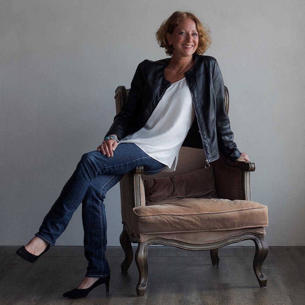 Ulrike sitzend Akademie für VITA(l)Pädagogik
